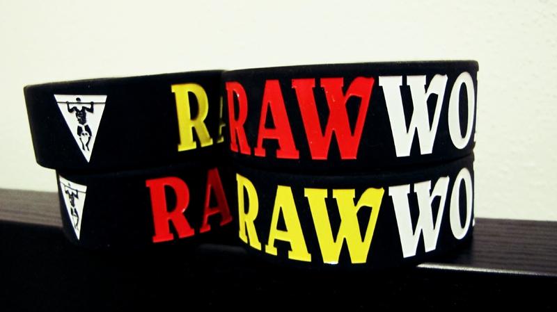 Oblečení - Raw Workout Náramek (silikon)