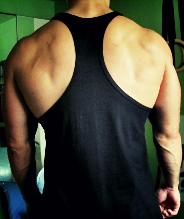 Oblečení - Stringer Raw Workout (černo-červená)
