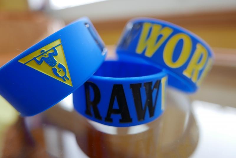 Oblečení - Raw Workout Náramek (modro-černo-žlutá)
